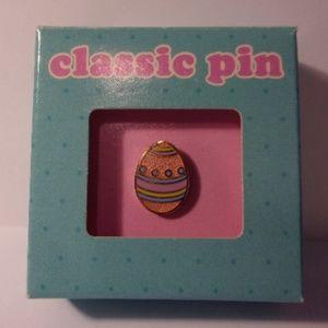 Vintage Hallmark Classic Enamel Easter Egg Pin